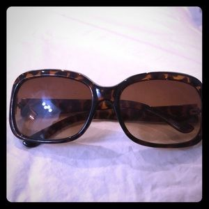 Betsey Johnson Sunglasses in Brown